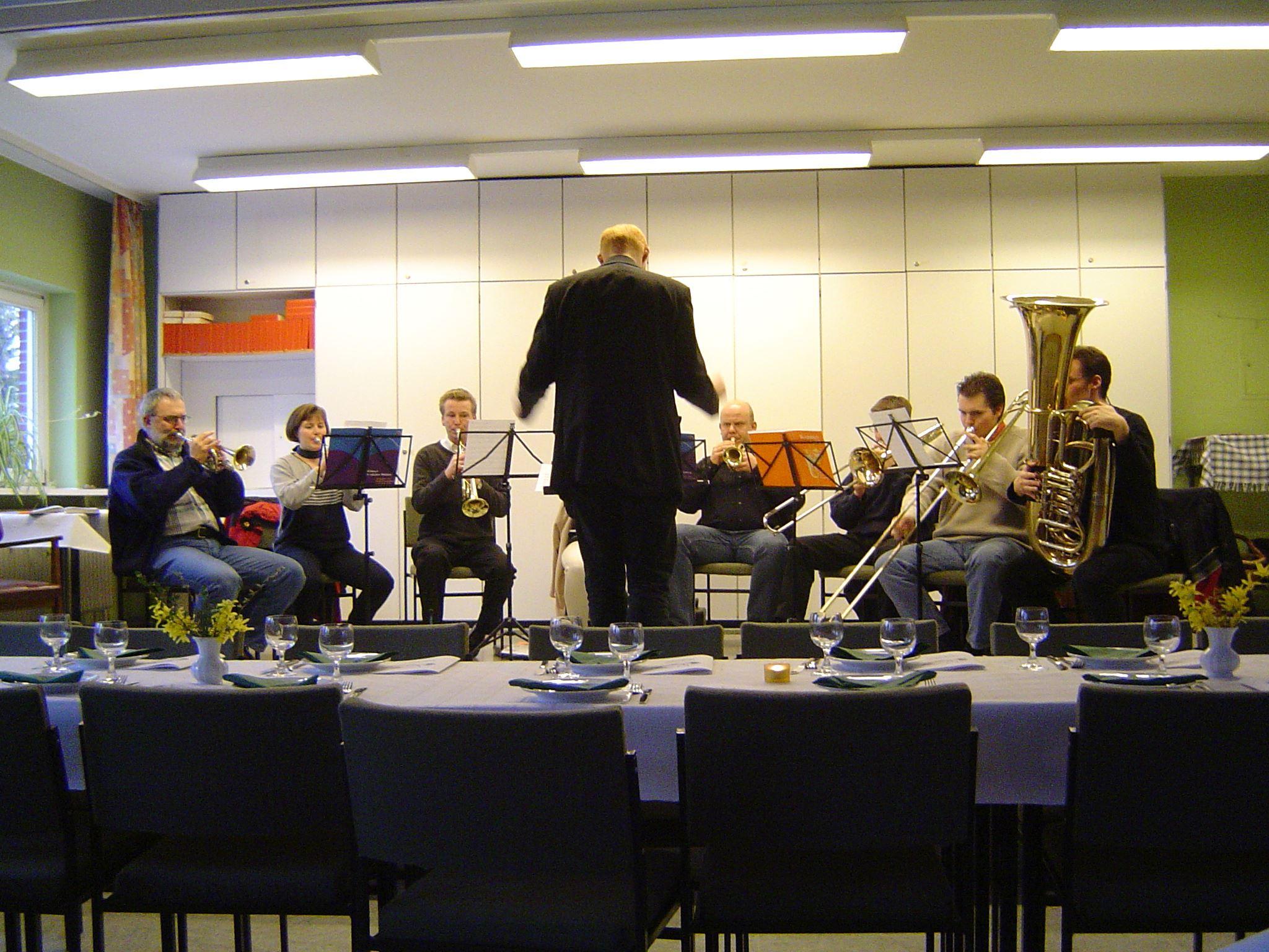 Bodo Claudia, Michael, Silke (verdeckt von Christian), Gastbläser, Matthias, Philipp und Philip